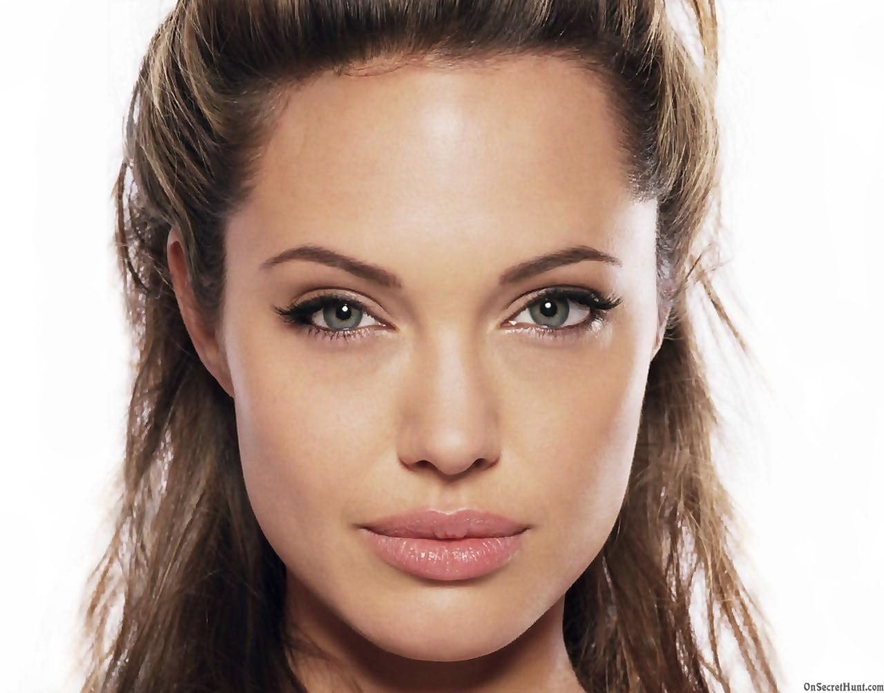 American movie star Angelina Jolie expected in Sudan ... Angelina Jolie