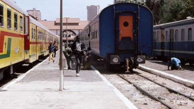 Img : Senegal commuter train passengers up by 2.7pc in April