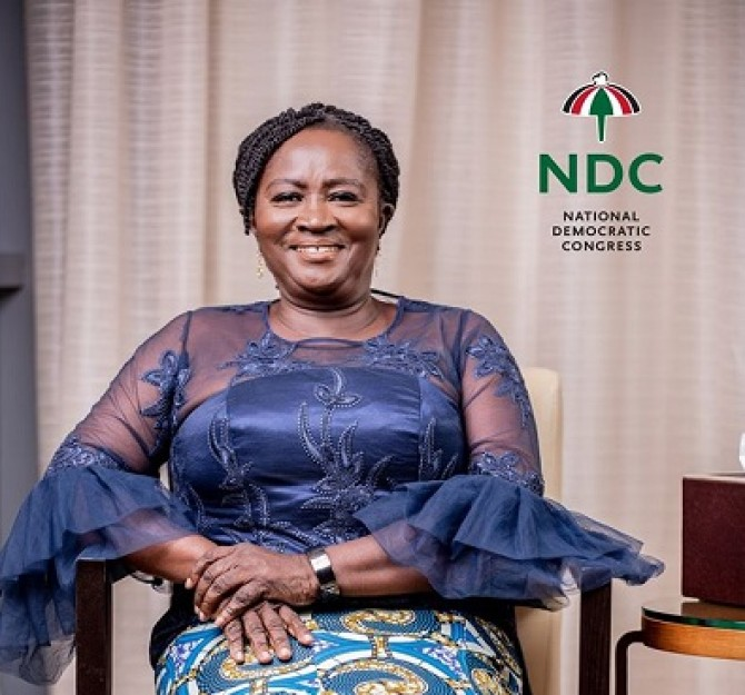 Img : Ex-President Mahama picks Prof. Naana Jane Opoku-Agyemang as running mate