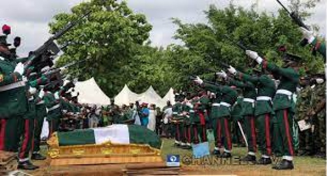 Img : Nigeria's Chief of Army Staff, 10 other officers buried in Abuja